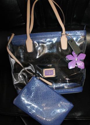Очень красивая сумка guess, новая с бирками