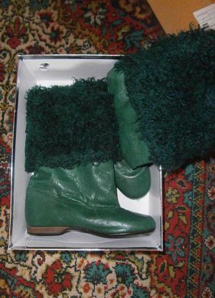 Стильные зимние кожаные сапоги