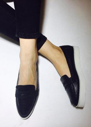 Очень стильные туфли слипоны эспадрильи на платформе с имитацией змеиной кожи