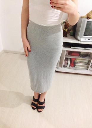 Серая юбка миди