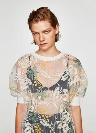 Блуза с вышивкой и пайетками zara