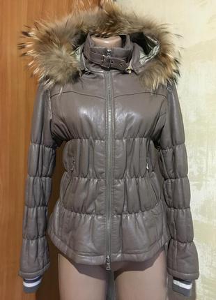 Крутая кожаная(лайка) куртка с капюшоном,натуральный мех!