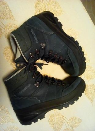 Треккинговые ботинки немецкого бренда