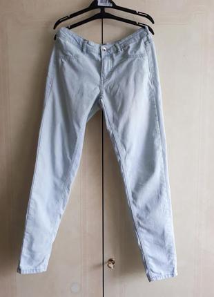 Легкие джинсы от pull&bear