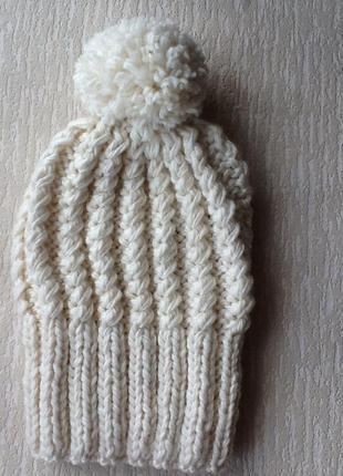 Зимняя вязаная шапочка с помпоном