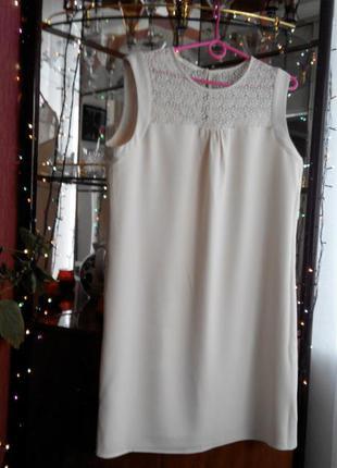 Обалденное платье миди с гипюровой вставкой