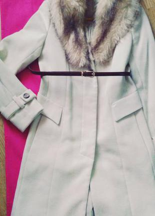 Шикарное брендовое теплое пальто от kira plastinina!