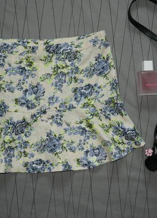 Стильная яркая юбка