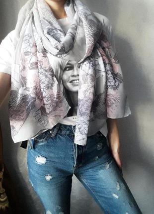 Легкий красивый платок / шарф  новый