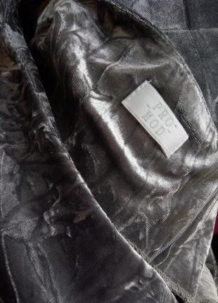 Трендовое  пепельно серое вечернее / коктейльное платье фактурный велюр5