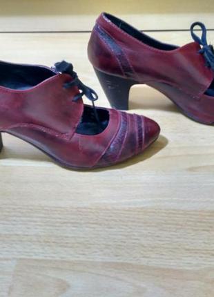 Туфлі-чобітки