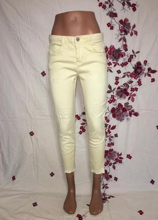Красивые яркие джинсы деним укороченные желтые стильные / идеальные