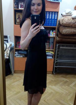 Черное коктейльное платье миди с полупрозрачного шифона