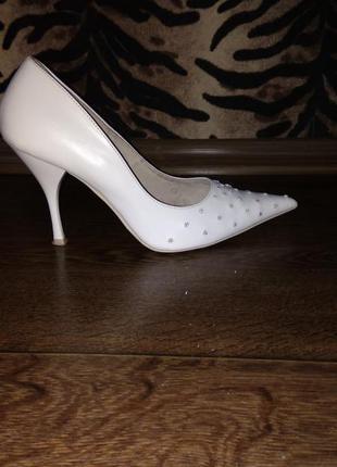 Свадебные туфли туфельки размер 37 белые с камешками