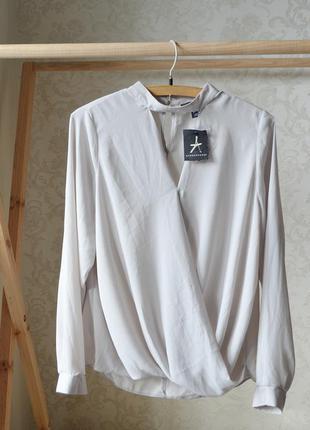 Блуза с чокером atm p 16