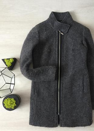 Серое шерстяное пальто stradivarius