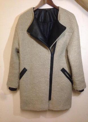 Стильное осенне-весеннее пальто от zara