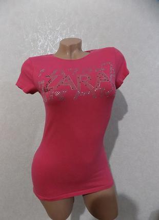 Футболка розовая со стразами фирменная zara размер 44-46