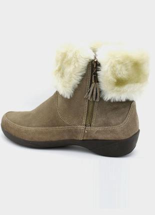 Замшевые ботинки clarks