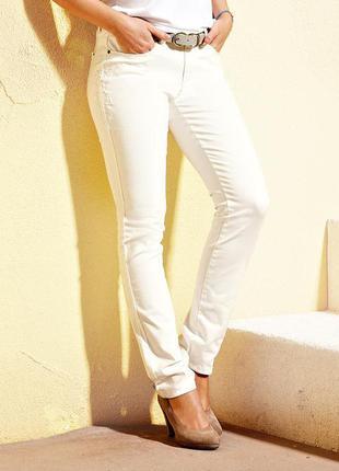 Белые джинсы с вышивкой тсм tchibo, германия