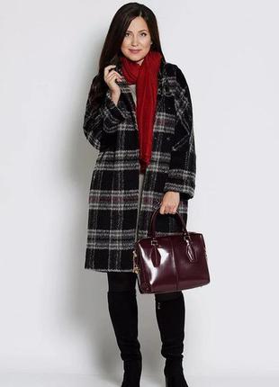 Стильное ворсистое пальтишко, бренда m&s, подойдет на 48,50 р.