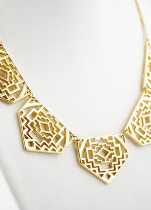 Золотое минималистичное стильное колье бижутерия купить просто!