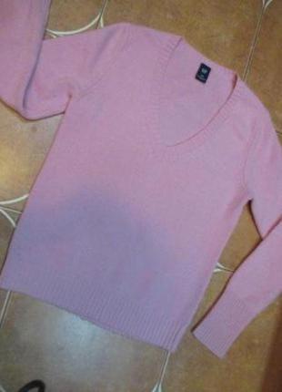 Очень красивый и теплый английской фирмы gapс мягкой шерсти  свитерок