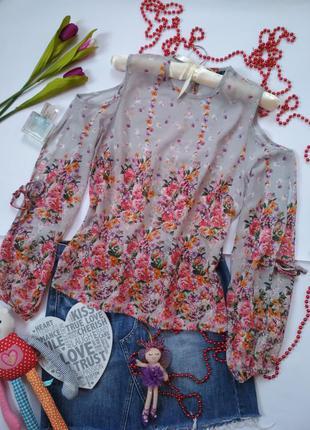 Интересная цветочная блуза с открытыми плечиками