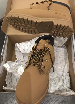 Желтые ботинки fila