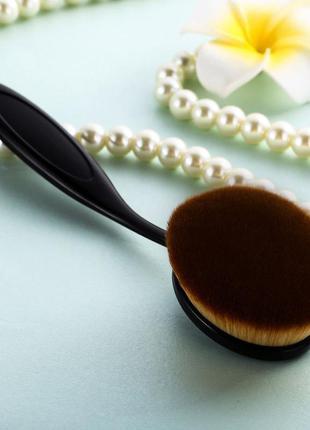 Кисть щётка для макияжа oval большая