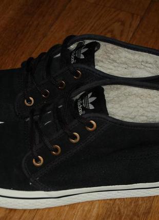 Кожаные кроссовки на меху 38 р adidas оригинал хорошее состояние