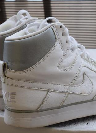 Кожаные кроссовки nike р.41 26 см оригинал us-8
