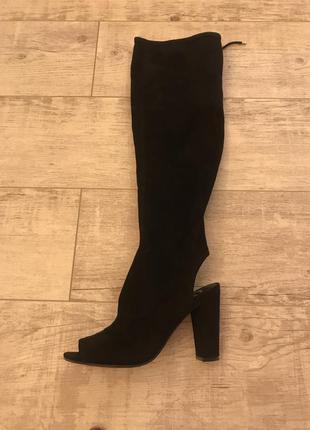 Стильные чёрние сапоги-ботфорты