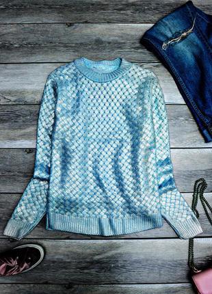Крутой свитер с напыление