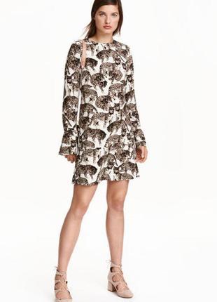 Платье с принтом кошки h&m.(леопард)