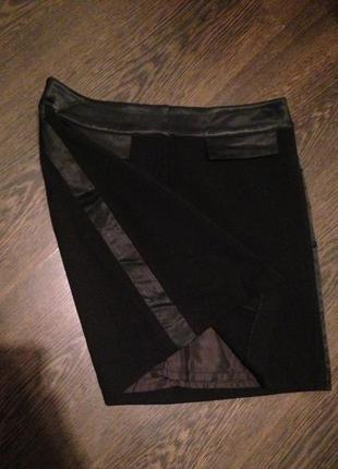 Чёрная короткая юбка с лампасами h&m
