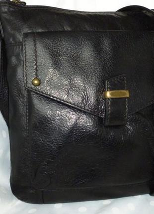Стильная вместительная сумка marks & spencer  натуральная   кожа