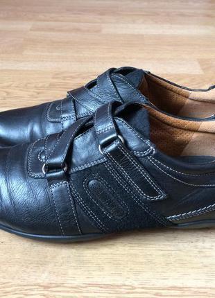 Кожаные кроссовки ecco оригинал 39 размера в отличном состоянии