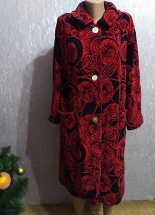 Яркий, тёплый махровый халат на пуговицах 50 размер