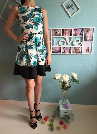 Акция!!! актуальное платье с неопрена в цветочный принт расклешенное снизу