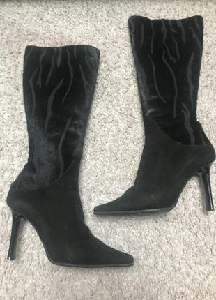 Чёрные сапоги на каблуке loriblu