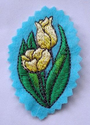 Нашивка на одежду тюльпан