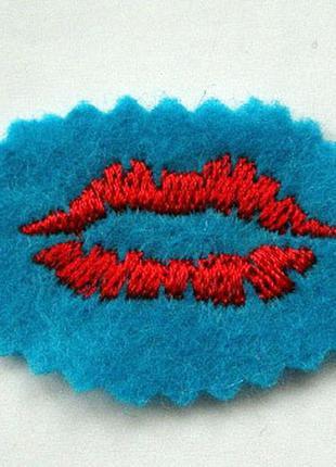 Нашивка на одежду губы