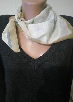 Элегантный итальянский шейный платок платочек косынка .