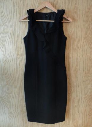 Платье миди колена черное вечернее нарядное футляр чехол рюшами воланами классическое