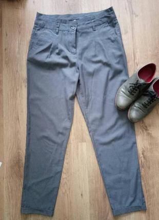 Трендовые брюки.