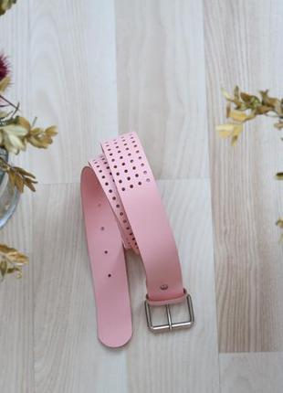 Нежно-розовый ремень, средней ширины
