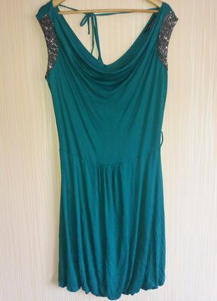 Красивое платье миди 50 размера