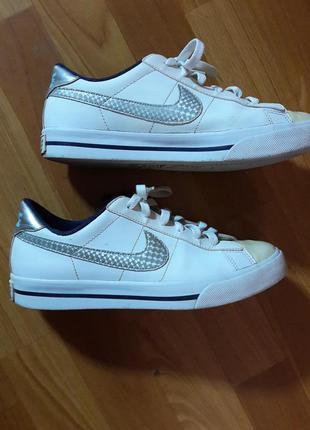 Кожаные кроссовки белые оригинал 24.5 см