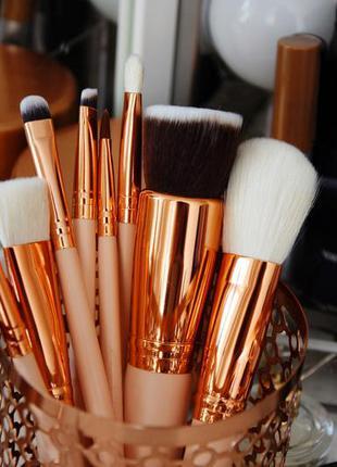 Набор кистей для макияжа 8 шт - качественный и красивый